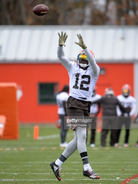 BEREA, OH - NOVEMBER 22, 2017: Wide receiver Josh Gordon #12 of the Cleveland Browns catches a pass during a practice on November 22, 2017 at the Cleveland Browns training complex in Berea, Ohio. Gordon practiced for the first time since being reinstated by the NFL. (Photo by: 2017 Nick Cammett/Diamond Images/Getty Images) *** Local Caption *** Josh Gordon