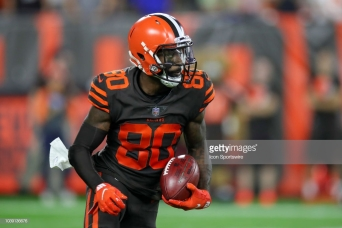 CLEVELAND, OH - SEPTEMBER 20: Cleveland Browns wide receiver Jarvis Landry (80) returns a punt during the third quarter of the National Football League game between the New York Jets and Cleveland Browns on September 20, 2018, at FirstEnergy Stadium in Cleveland, OH. Cleveland defeated New York 21-17. (Photo by Frank Jansky/Icon Sportswire via Getty Images)